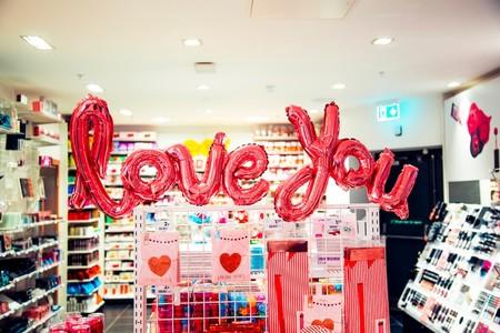 Estos relojes, bolsos y accesorios de edición limitada de San Valentín son ideales para regalar o regalarte este año