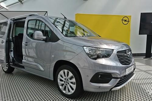 Conocemos al nuevo Opel Combo Life: bien equipado, sumamente práctico y más coche que furgoneta