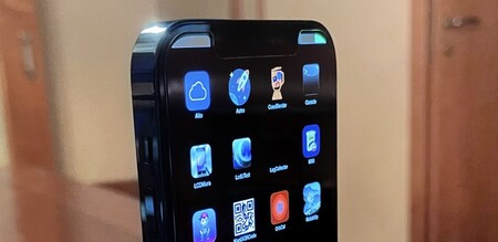 Un prototipo de iPhone 12 nos muestra cómo es el sistema operativo que Apple usa en sus pruebas internas