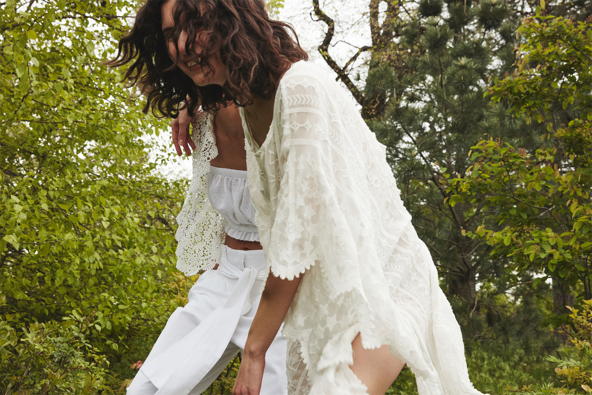 Foto de Zara editorial Total white verano 2016 (5/7)