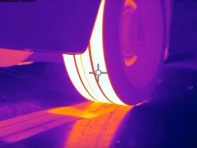 Si tuvieras una cámara térmica, así se vería cada vez que quemaras rueda (a lo bestia)