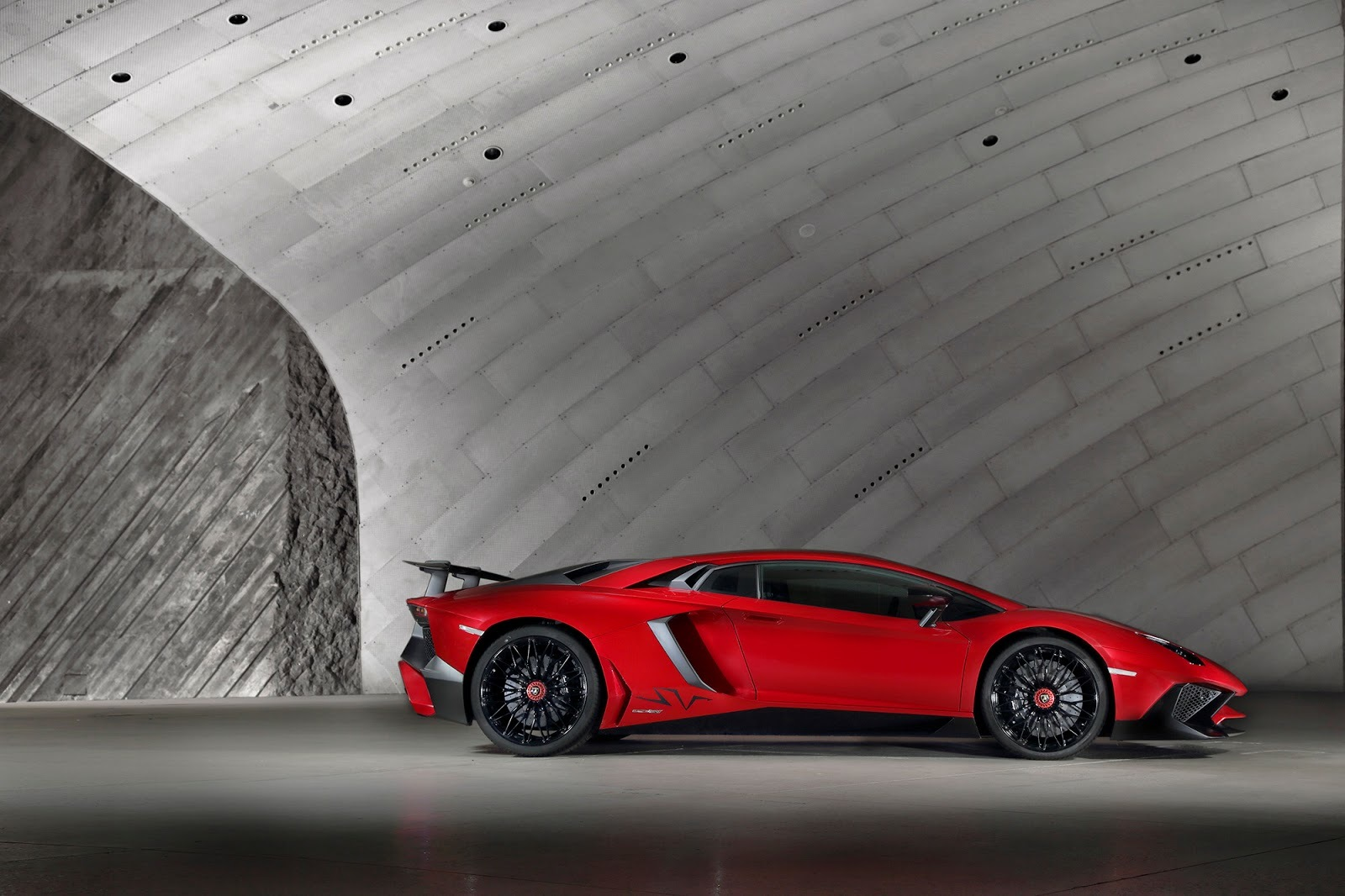 Foto de Lamborghini Aventador SV (19/21)