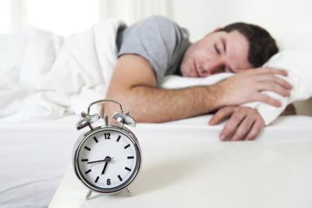 Dormir siesta podría revertir los efectos nocivos de un mal descanso nocturno