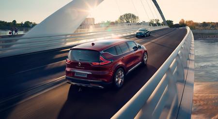 El nuevo Renault Espace ya está a la venta en España con más tecnología de conectividad y asistencia, desde 40.171 euros