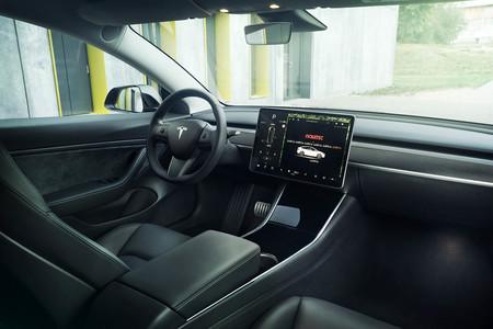 Novitec Tesla Model 3 interior
