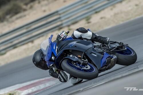 Probamos la Yamaha R7: una deportiva única en su especie para el carnet A2 con 74 CV, postura radical y una parte ciclo equilibrada