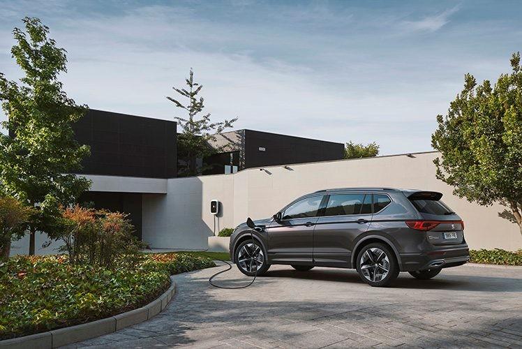 SEAT presenta el Tarraco FR PHEV, su primer híbrido enchufable con 50 kilómetros de autonomía en modo eléctrico