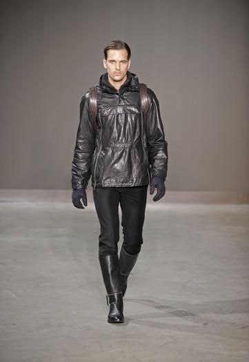Foto de Louis Vuitton, Otoño-Invierno 2010/2011 en la Semana de la Moda de París (6/13)