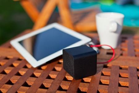 NuForce Cube es un altavoz pequeño y perfecto para tus viajes