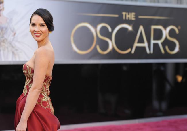 Oscar 2013 Olivia Munn