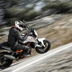Foto 10 de 29 de la galería ktm-690-duke-reinventada-18-anos-despues en Motorpasion Moto