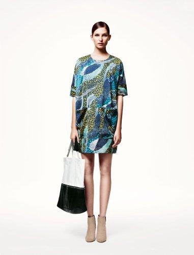 H&M catálogo: vestido estampado