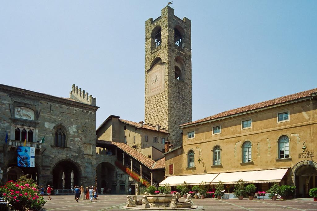 Piazza Vecchia y Piazza del Duomo: el corazón de Bérgamo que te enamorará