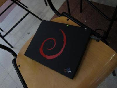 Debian cambia GNOME por Xfce para Wheezy. La razón: GNOME es demasiado grande para caber en un CD