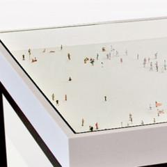Foto 1 de 7 de la galería mesa-de-centro-con-escenas-en-miniatura en Decoesfera