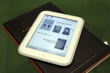 Barnes & Noble Glowlight, nuevo lector con mejor pantalla y muy ligero