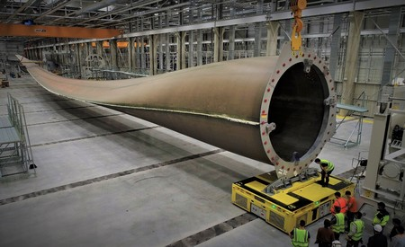La pala de la turbina más grande del mundo mide 107 metros, y su aerogenerador es casi tan colosal como la Torre Eiffel