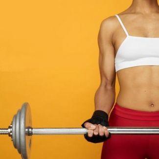 Alternar el ejercicio aeróbico con entrenamiento de fuerza