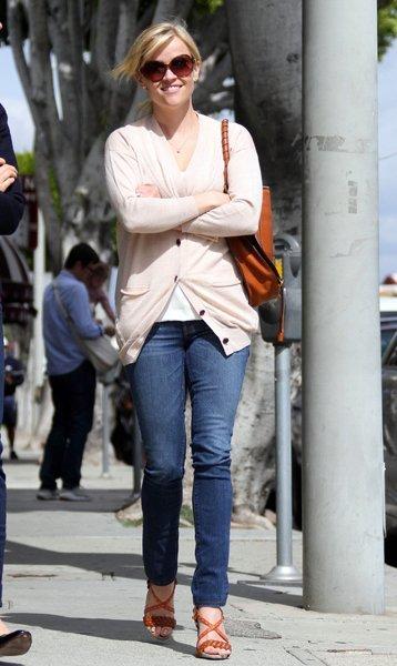 Reese Witherspoon sandalias
