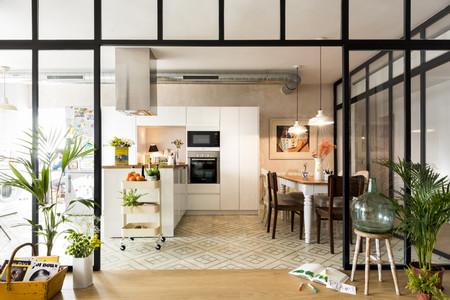 Puertas abiertas; la reforma integral de una luminosa vivienda en el sevillano barrio de Santa Clara
