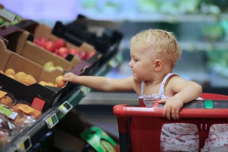 El primer año de vida determina las preferencias alimentarias de los niños