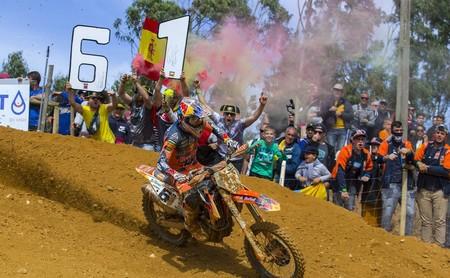 Jorge Prado vuelve a liderar MX2 tras su doblete en Portugal y Gajser se acerca a Cairoli en MXGP