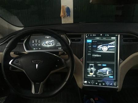 Foto Karlos Tesla 3