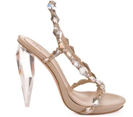 Tacón de cristal en una sandalia de Cenicienta de Alexander McQueen