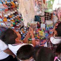 Senadores buscan prohibir la comida chatarra en cooperativas escolares