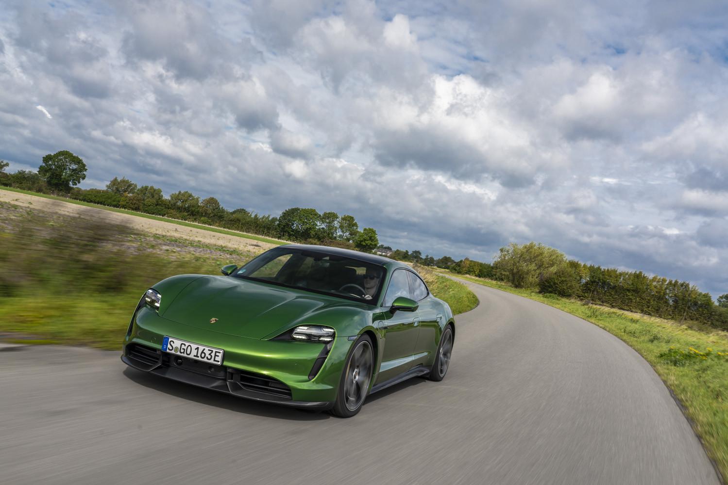 Foto de Porsche Taycan prueba contacto (212/275)