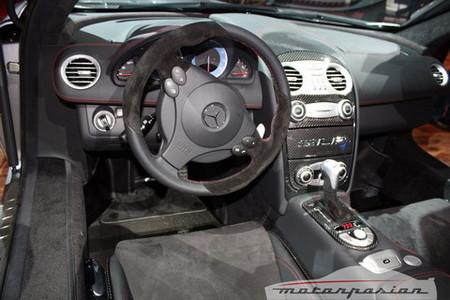 Mercedes SLR McLaren Roadster 722 S interior