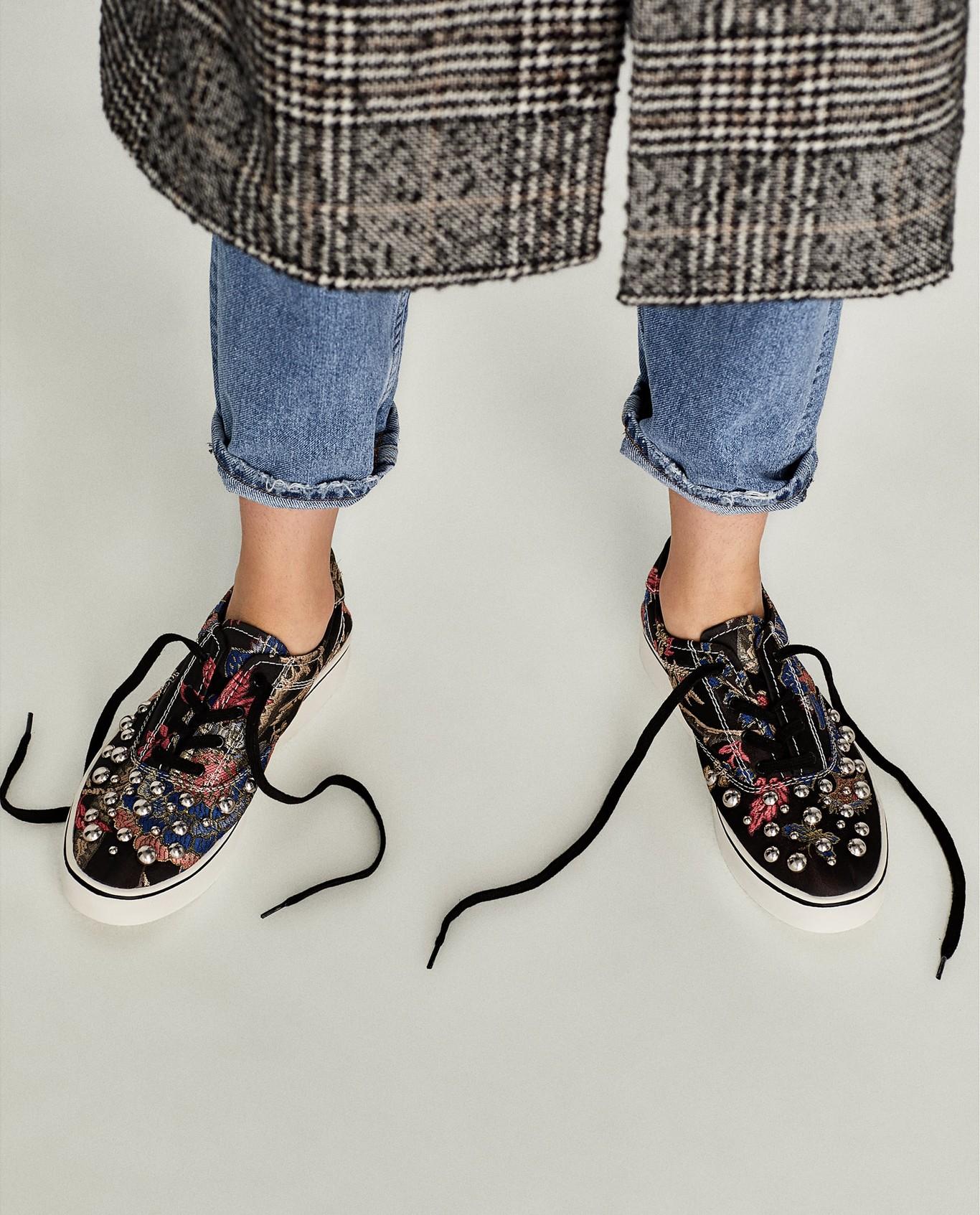 90a407d4 Las rebajas de Zara que estabas esperando ya han llegado: estos son los  mejores 55 zapatos por menos de 15,99 euros