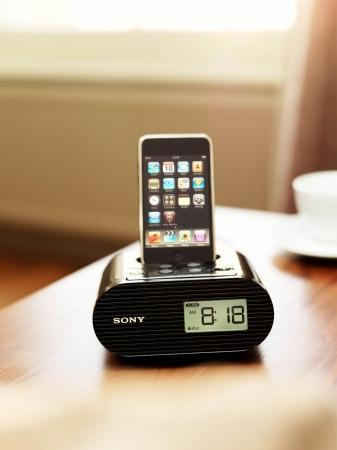 lifestyle-image_ipod-dock_icf-c05ip_bedside-table.jpg