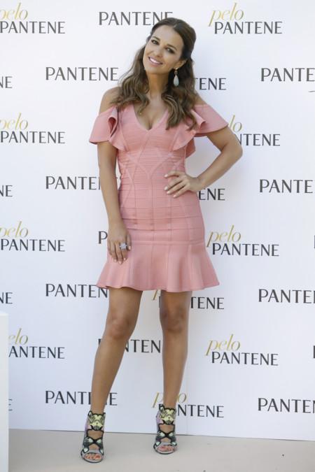 Paula Echevarría inaugura el verano con un look muy fresco