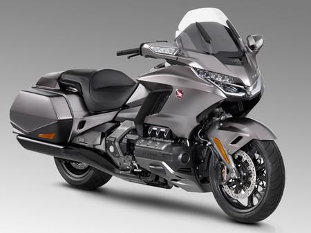 La Honda GL1800 Gold Wing se renueva para ser la primera moto con Android Auto (y Apple CarPlay), desde 28.500 euros
