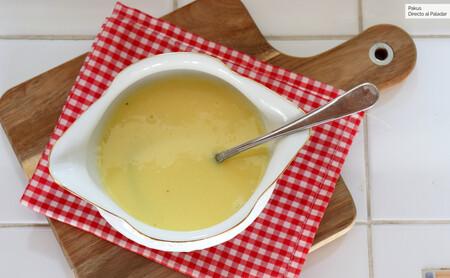 Cómo hacer salsa beurre blanc, perfecta para pescados al horno y a la plancha
