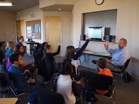 El clima de disciplina positiva en las aulas favorece el buen rendimiento de los estudiantes