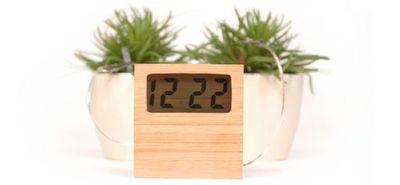 Un reloj que funciona con la energía de la tierra húmeda ¿Sí, seguro?
