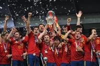 Mediaset a por el fútbol: emitirá la final de Copa y los amistosos de la Roja