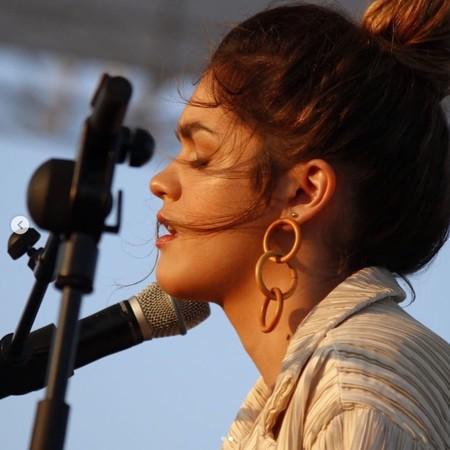 Amaia actuó en el Primavera Sound y no sabemos qué nos gustó más: ella o su look