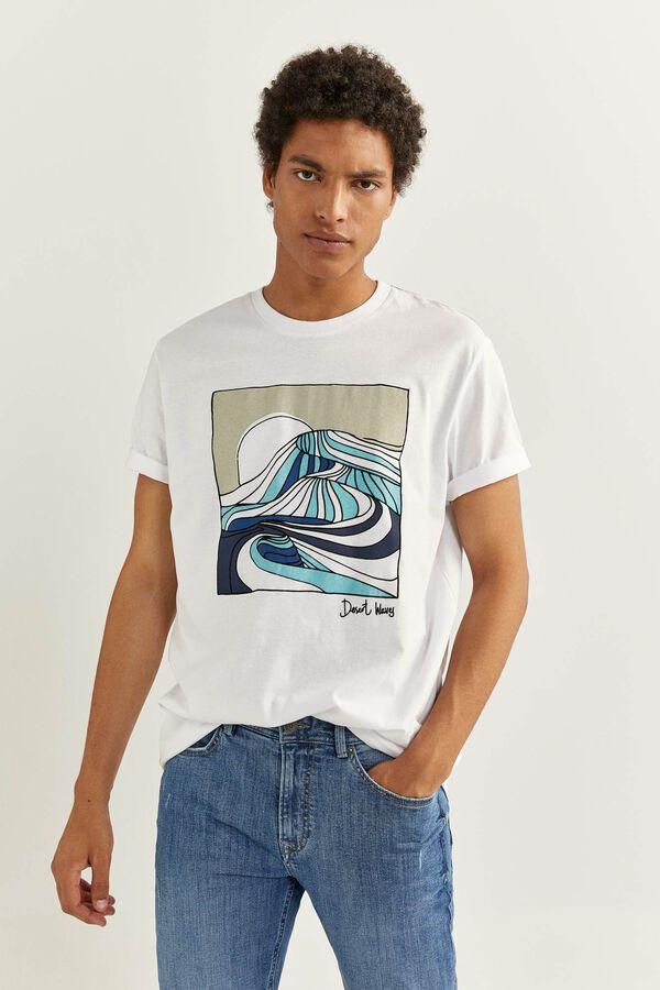 Camiseta blanca con estamapdo de olas