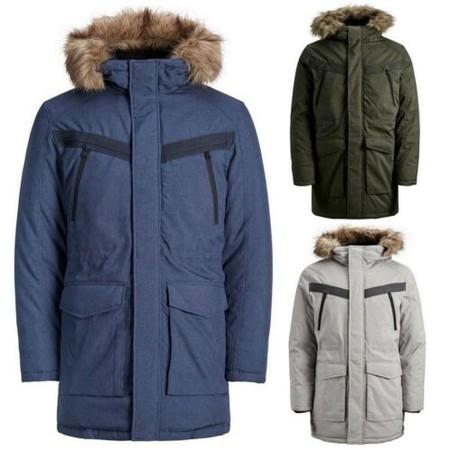 El plumífero con capucha de Jack & Jones Wind está rebajado a 39,95 euros y disponible en varios colores en eBay