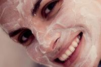 Cinco hábitos cosméticos que pueden beneficiar la salud