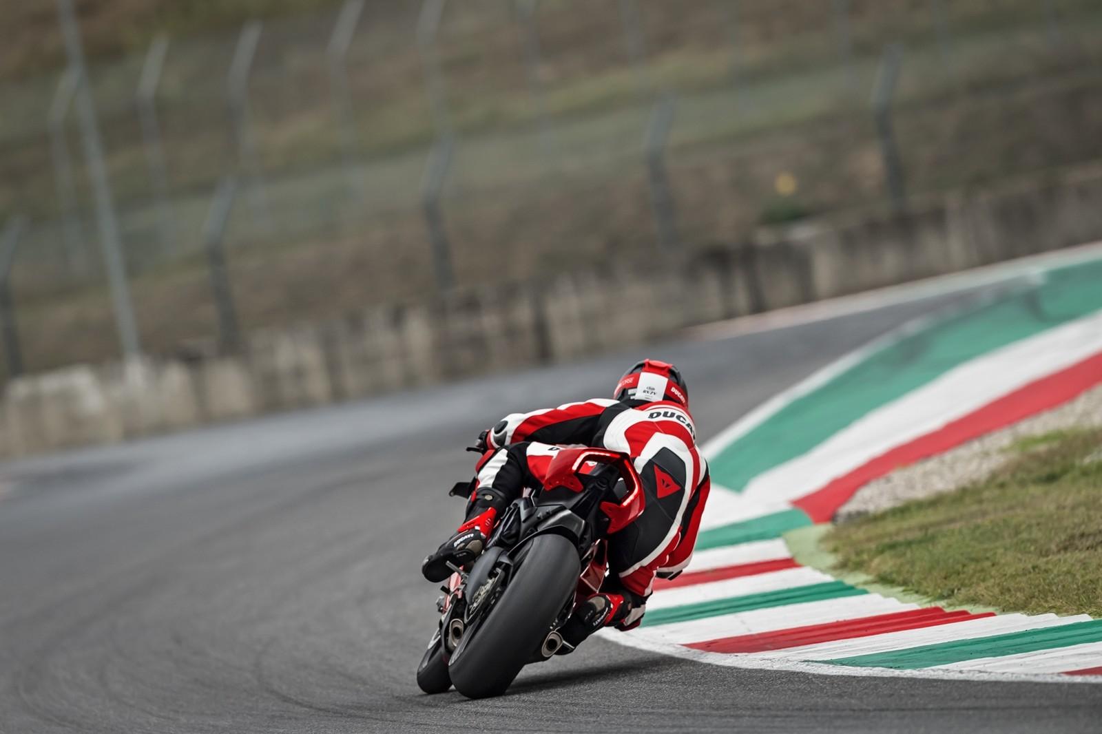 Foto de Ducati Panigale V4 R 2019 (32/87)