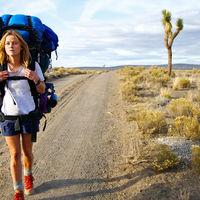 Por qué es bueno viajar sola para superar una ruptura según los expertos