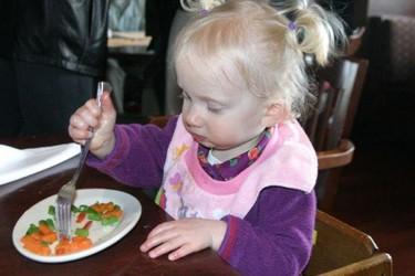 Casi la mitad de los niños comen menos de tres piezas al día de frutas y verduras