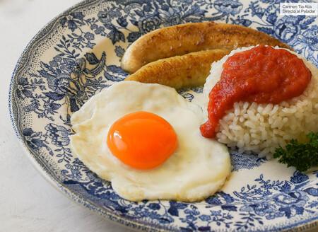 Arroz a la cubana, una receta de toda la vida (cuyo origen no está en Cuba) que nos acompaña desde la infancia
