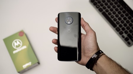 Moto G6 Plus review acabado de cristal