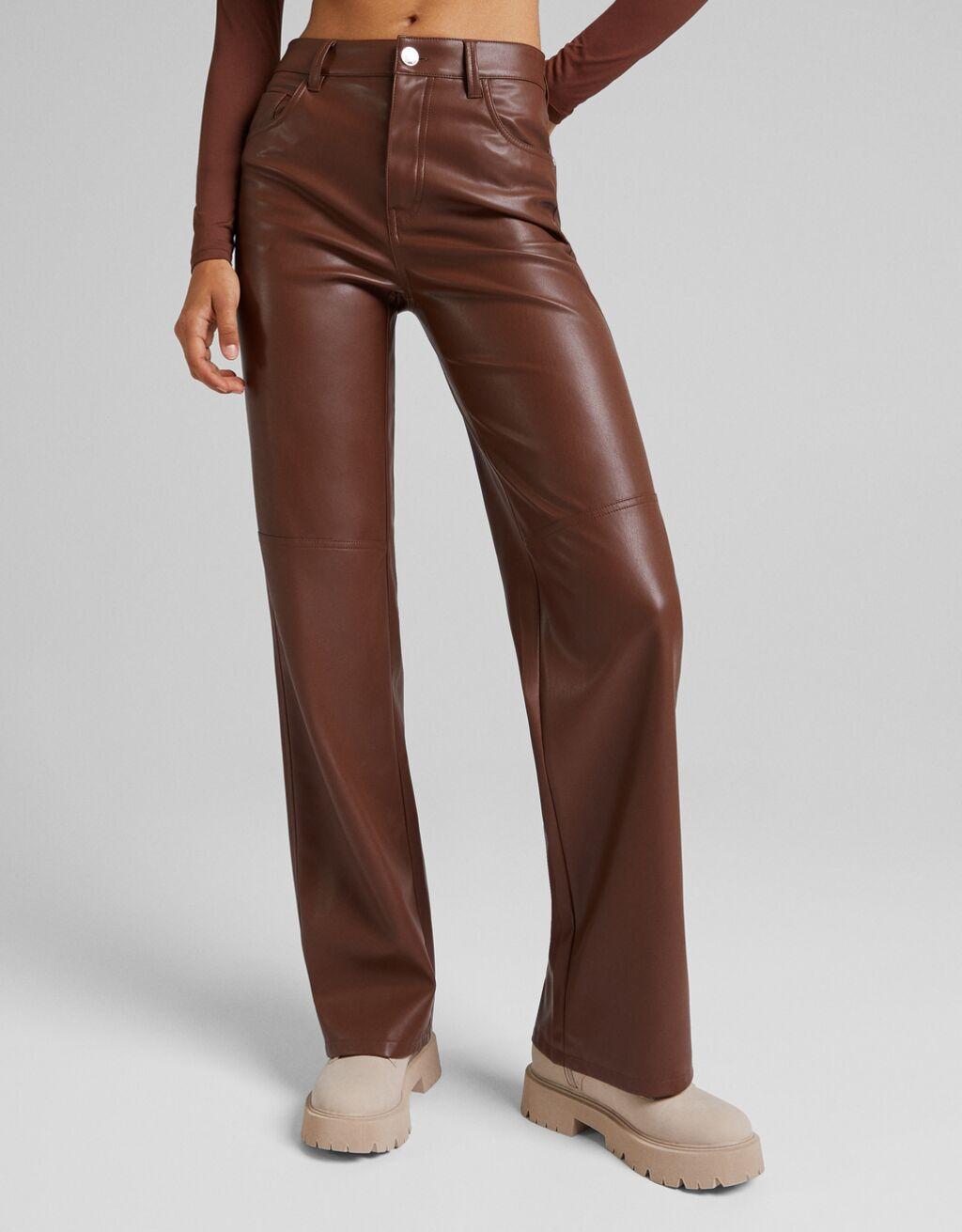 Pantalón straight efecto piel