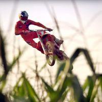 'Homegrow': Tres minutos de espectáculo visual, saltos y maíz a cargo de Ryan Dungey